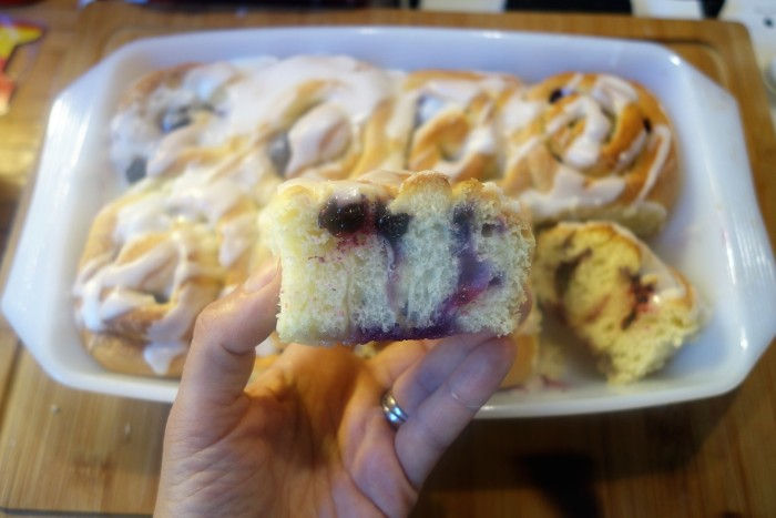 Lemon_blueberry_rolls_1